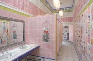 Туалетные перегородки в кафе. в клубе и ресторане